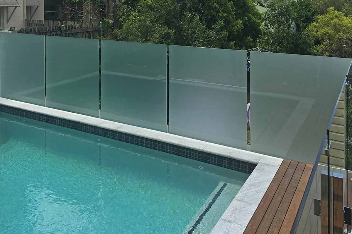 A Look At The Different Glass Pool Fencing Styles | Zawadzki ...